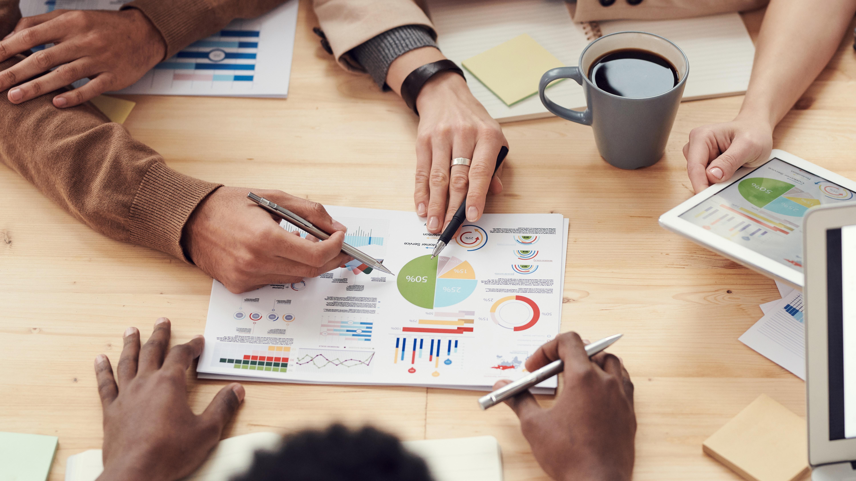 Agence vs plateforme d'influence  4 questions pour trouver votre solution idéale_Hivency Le blog2