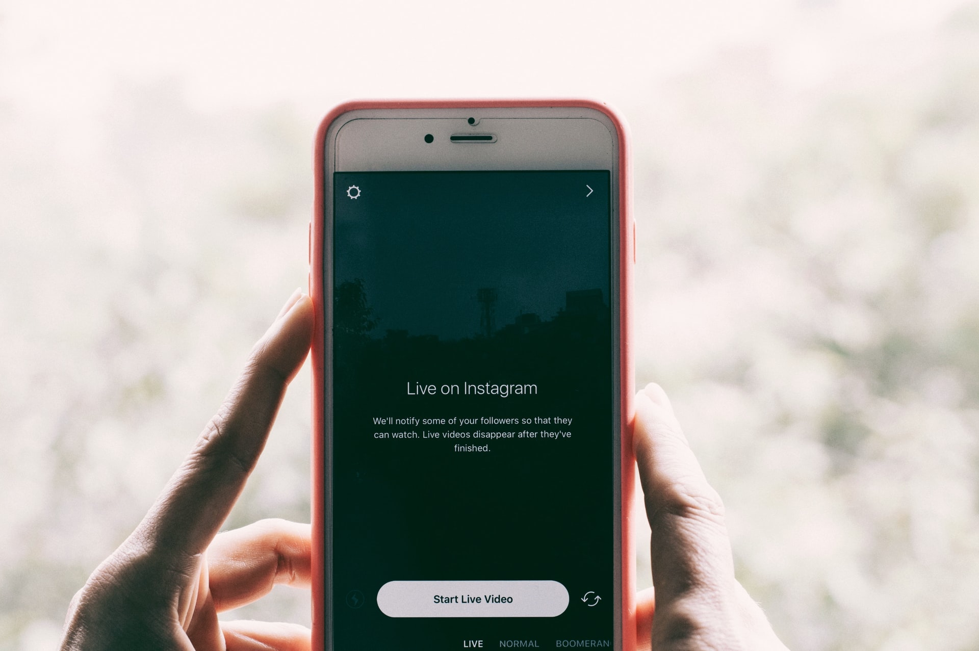 Hans Vivek-Livestream on phone-hivency-blog