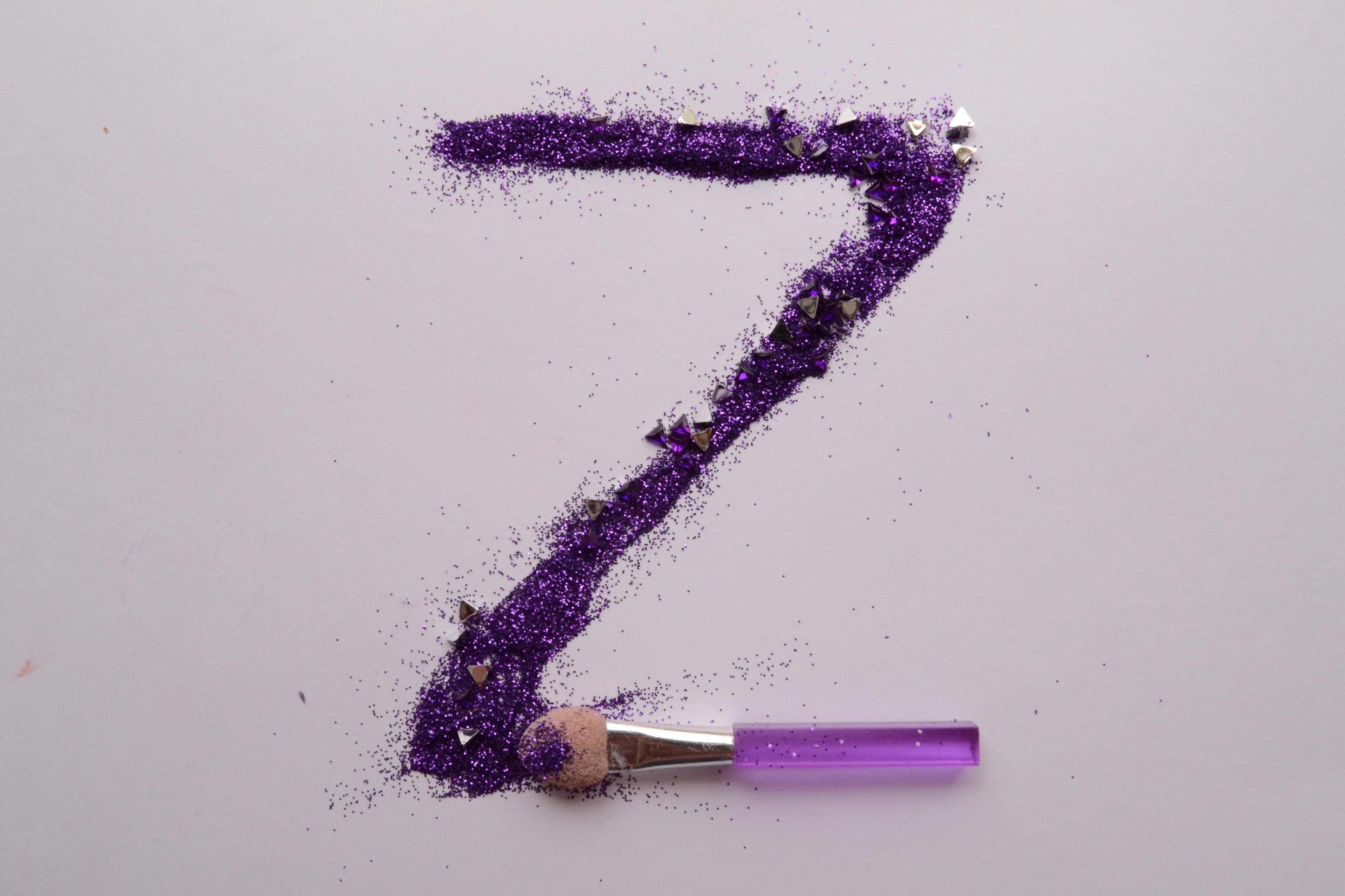 purple Z makeup brush